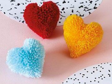 іграшки з помпонів